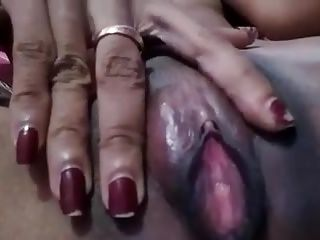 18-year-old Asian pussy with a partiality of prescription aloft the clit
