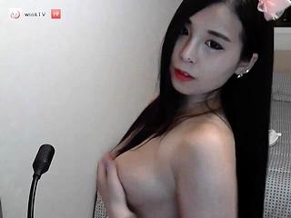amateur eevie moon flashing pair on live webcam