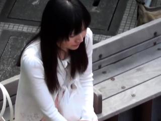 Asian skank peeing in her panties
