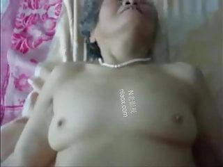 chinese granny likes shafting