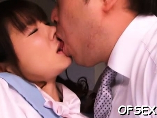 Beast asian mom Saki Yuzumoto gets hammered from behind