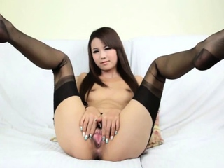 Young Chinese incise 09